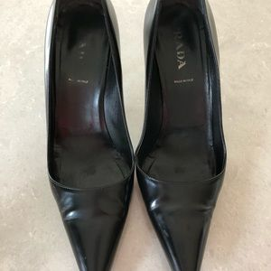 Prada Women's Pumps Black Leather Pointed Toe